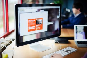 How To Choose An E-Commerce Designer For Your Startup?